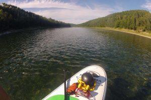 Partie pour une journée en paddleboard